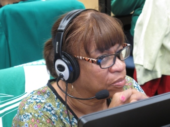 Mirta Feliciano, a retired member of Local 420, worked the first shift and placed dozens of calls to members. Photo: Alfredo Alvarado