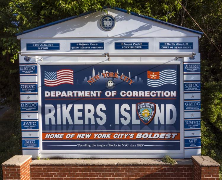 "Inmates at Riker's Island Jail Say ""Thanks!"" to a Dedicated Library Worker"