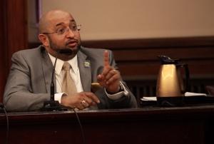 DC 37 Executive Director Henry Garrido laid out a plan before the City Council to increase tax revenue for the city by hiring more workers at the Dept. of Finance and other city agencies. Photo: Mike Lee